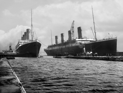 Olympic_and_Titanic-1-