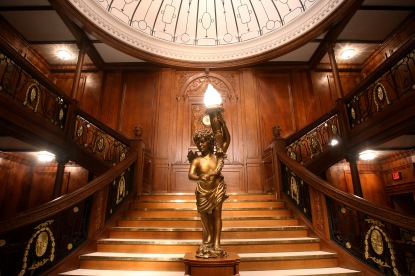 titanic-staircase2