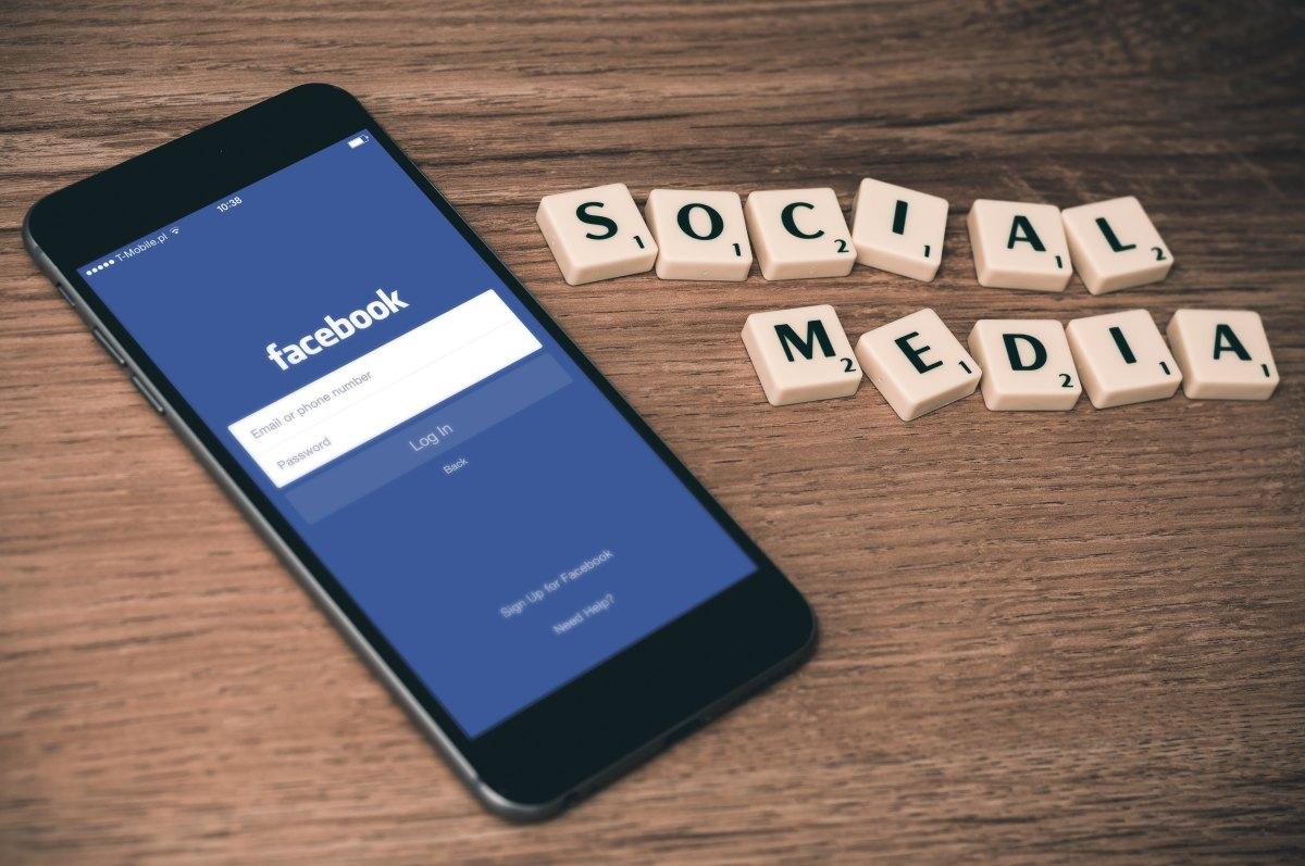 Facebook : Gestion sulfureuse des données privées, Royaume de la Fake News et de la haine ?