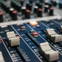 Mise à jour de la liste des radio et de la page présentation !